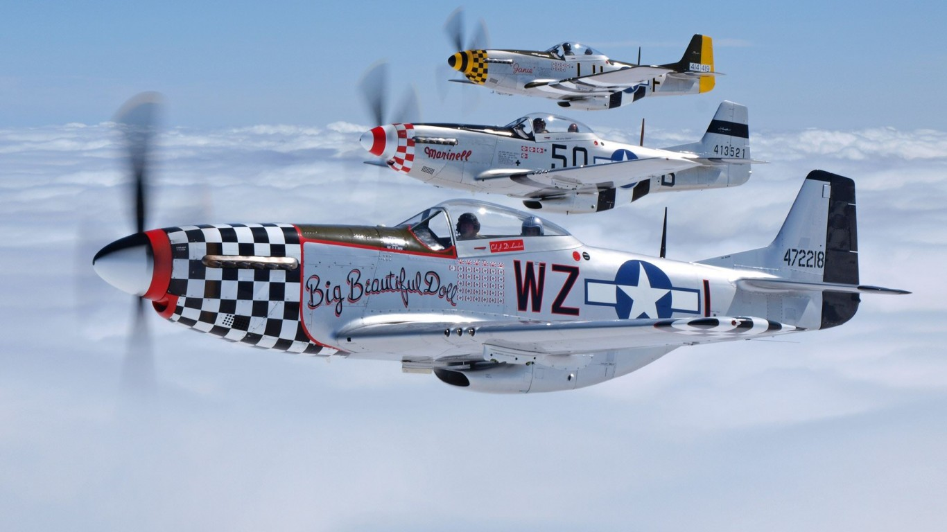 Airplanes  P-51 Mustang